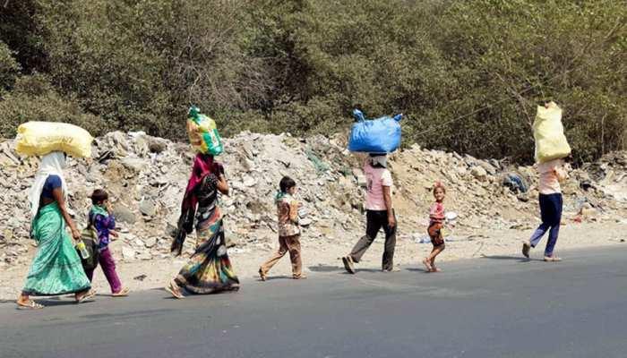 लॉकडाउन की आहट मात्र से प्रवासी मजदूरों ने तय किया 630 किमी का पैदल सफर, जानिए क्या कहा
