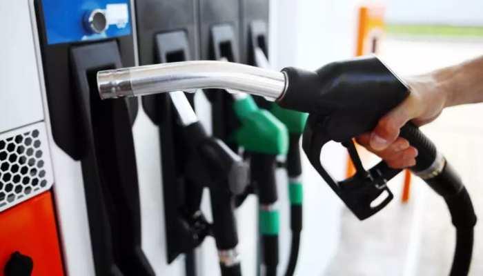 Petrol Price: 15 दिनों बाद गिरे पेट्रोल के दाम, जानिए किन शहरों में कितनी पहुंची कीमत
