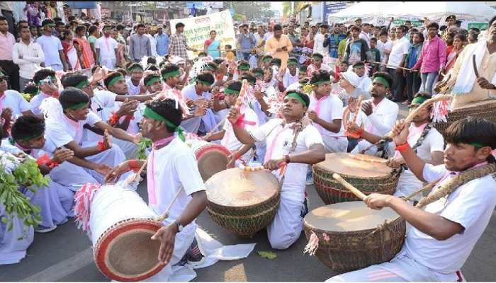Jamshedpur: सादगी के साथ मनाया गया सरहुल, विधायक सरयू राय ने की प्रकृति संरक्षण की अपील