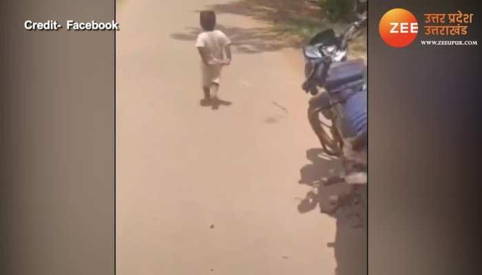 Best Funny Video: बाइक पर बैठने की जिद कर रहा था बच्चा, फिर जो हुआ देखकर नहीं रुकेगी हंसी