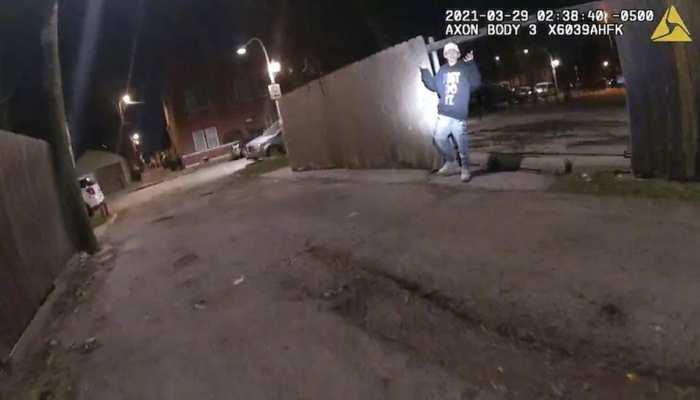 सामने आया Chicago Police का क्रूर चेहरा, Surrender करने को तैयार युवक को मारी गोली