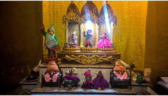 Temple At Home: घर में मंदिर बनवा रहे हैं तो ध्यान में रखें ये बातें, सुख-समृद्धि का होगा वास
