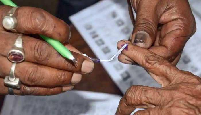 यूपी पंचायत चुनाव: लखनऊ सहित इन 20 जिलों में कल होगी वोटिंग, उपद्रवियों पर रखी जाएगी ड्रोन से नजर