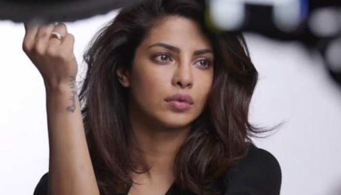 Priyanka Chopra को विदेश में रहकर सता रही मायके की चिंता, बोलीं-  मैं आपसे भीख मांगती हूं