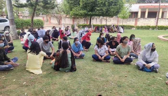 Rajasthan University के हॉस्टल बंद करने के आदेश, छात्र-छात्राएं आंदोलन की राह पर