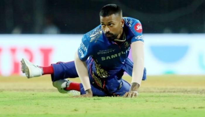 IPL 2021 MI vs DC: Hardik Pandya के कैच क्लेम को लेकर ट्विटर पर उठे सवाल, लोगों ने बुरी तरह किया ट्रोल