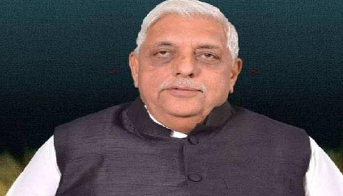 बीजेपी विधायक ने कहा- सरकार पर निर्भर न रहें, कांग्रेस बोलीं- तो क्या पाकिस्तान जाएं इलाज कराने