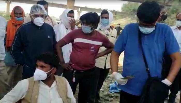 ये कोरोना से बड़े 'वायरस', शव जलाने के मांगे 22 हजार, पैसे नहीं देने पर दबंगई पर उतरा