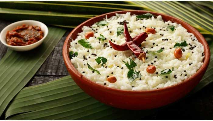 Curd Rice Recipe: गर्मियों में खुद को कूल रखने के लिए बनाएं कर्ड राइस, जानिए होटल जैसी रेसिपी