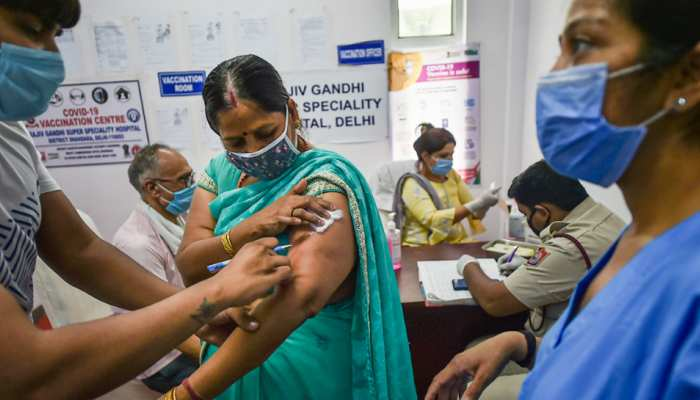 Coronavirus: क्या कोविड-19 के नए वैरिएंट पर हो रहा है वैक्सीन का असर? स्टडी में हुआ बड़ा खुलासा