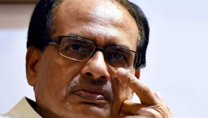 BJP नेता ने सीएम से कहा- मत करो सांसों की कालाबाजारी, मंत्री ने भी सुनी खरी-खोटी