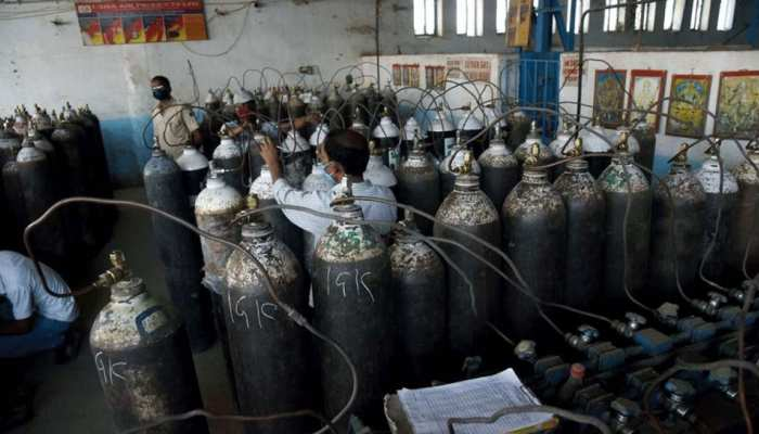 बिहार: रोजे रखकर कोरोना मरीजों को मुफ्त ऑक्सीजन पहुंचा रहे हैं मुस्लिम नौजवान