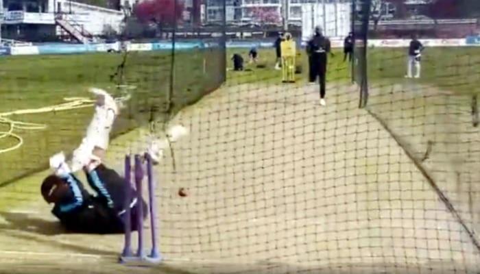 Video: Jofra Archer की खतरनाक बाउंसर से घबरा गया बल्लेबाज, डर की वजह से पिच पर ही गिर पड़ा