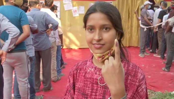 WB Election, 8th Phase Voting: BJP का  TMC पर आरोप, कहा- 31 साल की महिला की जगह 50 साल की बुजुर्ग ने डाला वोट