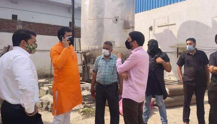 अपने ही अधिकारी के खिलाफ हत्या का मुकदमा दर्ज कराने की मांग कर रहे BJP विधायक