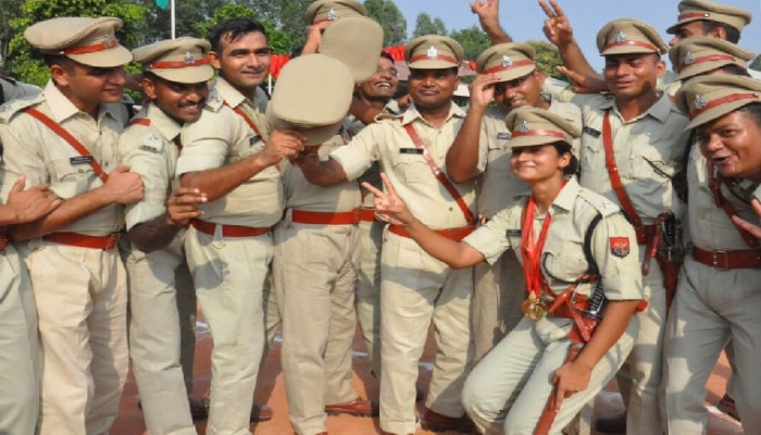 UP Police Recruitment: यूपी पुलिस में सब इंस्पेक्टर के 9,534 पदों पर हो रही भर्ती, जानिए क्या है आखिरी तारीख