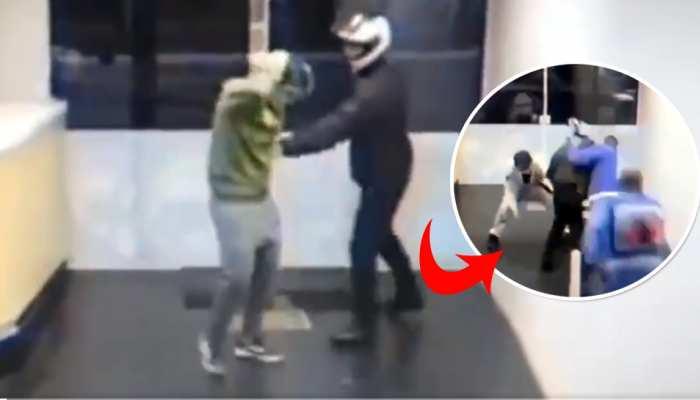शख्स की चालाकी से फंस गया दुकान में घुसा चोर, फिर यूं हुई जमकर कुटाई- देखें Video