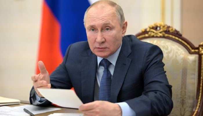 Vladimir Putin ने रूसी Corona Vaccine को बताया दमदार, कहा- AK-47 जितनी प्रभावी