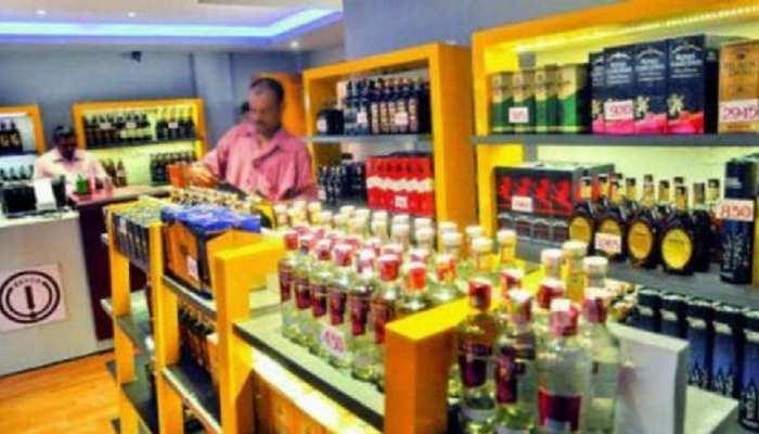 यूपी में शराब कारोबारियों ने लिखा सीएम योगी को पत्र, रोजाना 100 करोड़ के नुकसान का दिया हवाला
