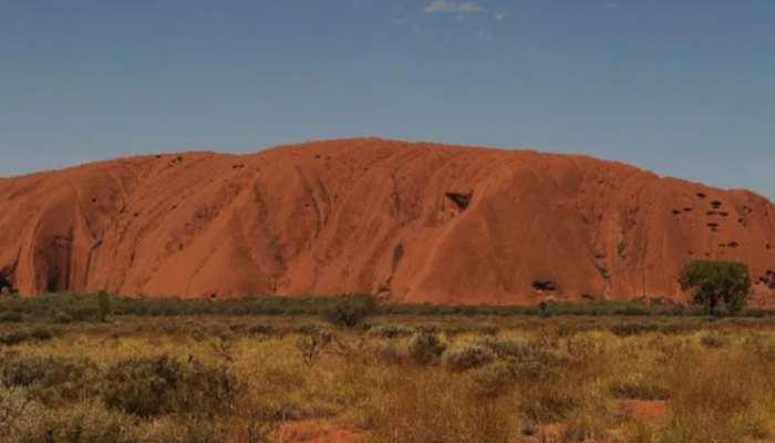 Australia: color changing rock of Uluru in North Australia zone