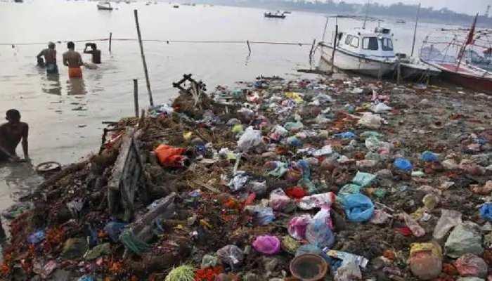 Ghazipur में गंगा नदी में दर्जनों लाशें दिखने से मचा हड़कंप, Covid संक्रमित होने की आशंका