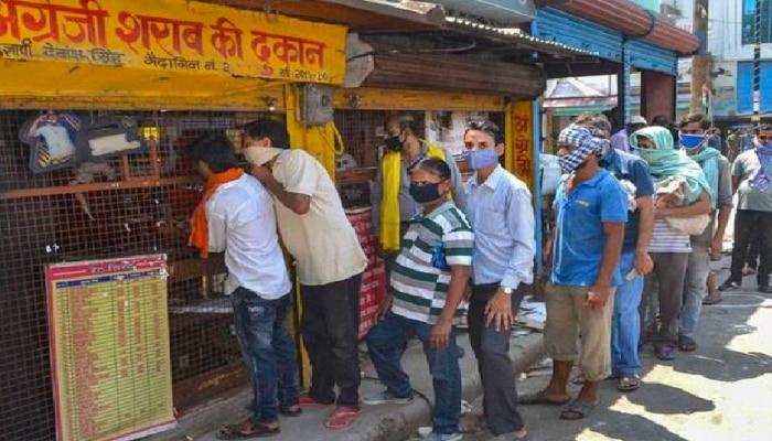 उत्तर प्रदेश में खुली शराब की दुकानें, जानिए किन जिलों में शुरू हुई बिक्री