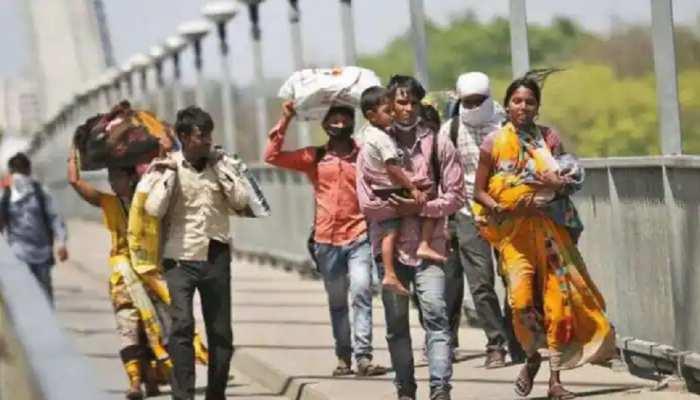 लॉकडाउन में गहराया श्रमिकों के सामने रोजी-रोटी का संकट, पलायन को हुए मजबूर