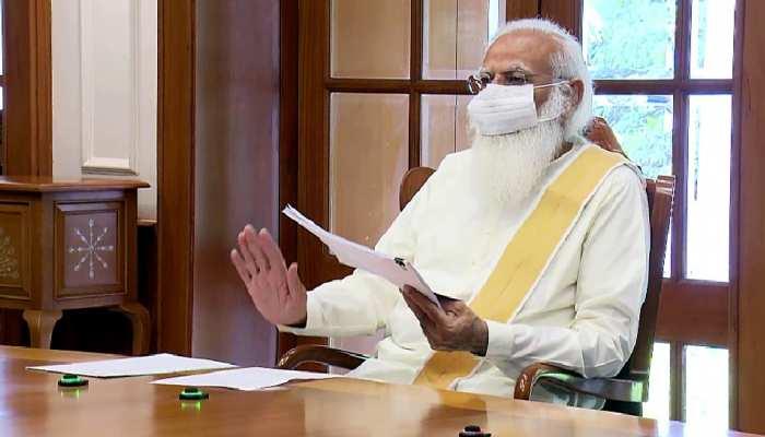 कोरोना संकट पर PM Narendra Modi की हाईलेवल मीटिंग, गांवों में संक्रमण पर ब्रेक लगाने का दिया फॉर्मूला