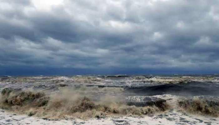 Cyclone Tauktae: कुछ ही घंटों में चक्रवाती तूफान 'तौकते' मचा सकता है तबाही, गृह मंत्रालय ने जारी की एडवाइजरी