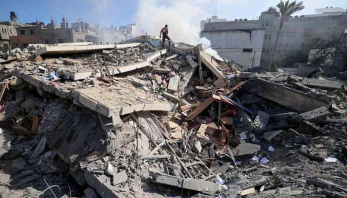 Israel ने Gaza की बिल्डिंग पर दागी मिसाइल, अलजजीरा समेत कई मीडिया हाउस के दफ्तर हुए खाक