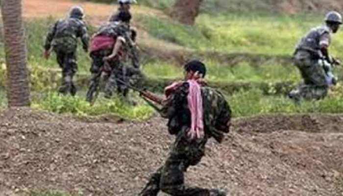 नक्सलियों के गढ़ में सुरक्षाबलों के कैंप पर हुआ हमला,जवाबी कार्रवाई में कई नक्सली ढेर