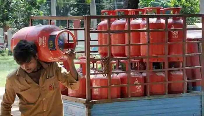 Rajasthan: LPG की होम डिलीवरी पर लगेगा ब्रेक! हॉकर्स ने सप्लाई बंद करने का किया ऐलान