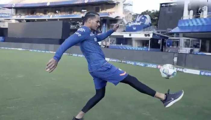 Rahul Chahar ने दिखाई Football से बाजीगरी, जानिए हवा में कितनी बार उछाला गेंद
