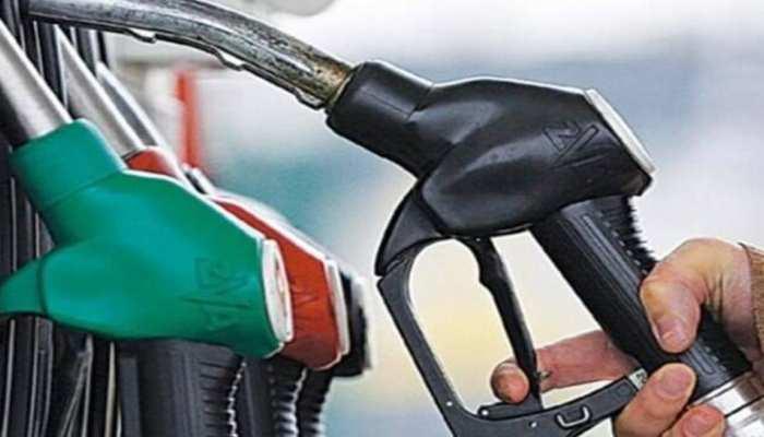 Petrol Price Today 19 May 2021: एक साल में 21 रुपये महंगा हुआ पेट्रोल! कीमतें रिकॉर्ड लेवल पर पहुंची