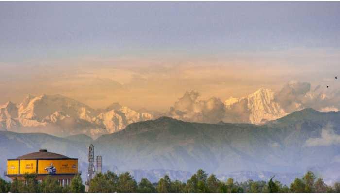 Saharanpur में नजर आईं Himalaya की बर्फीली पहाड़ियां, आप भी देखिए Viral Photos