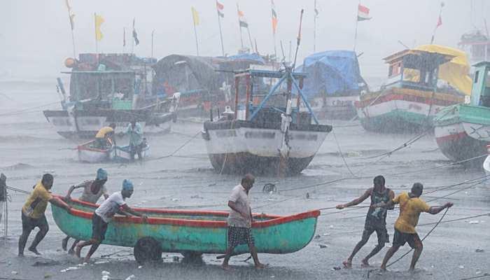 Cyclone Yaas: बंगाल की खाड़ी में आज पहुंचेगा तूफान Yaas, भारतीय रेलवे ने रद्द की ये 25 ट्रेनें; देखें लिस्ट