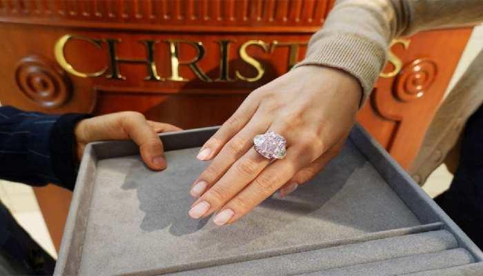 इस Purple-Pink Diamond ने तोड़े दुनिया में अब तक की सबसे बड़ी नीलामी के रिकॉर्ड, 213 करोड़ रुपये लगी कीमत