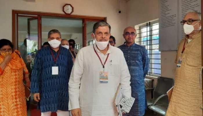 मुंबई न जाकर लखनऊ में रुके दत्तात्रेय होसबले, योगी कैबिनेट और BJP संगठन में बदलाव के संकेत