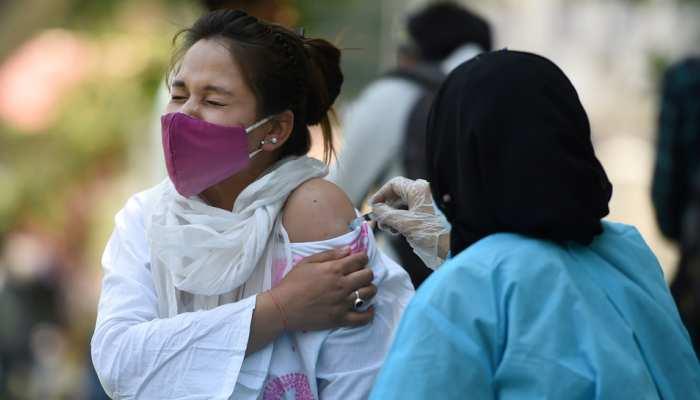 जम्मू-कश्मीर: शोपियां ने पेश की मिसाल, जिले में पूरा हुआ 45+ के सभी लोगों का वैक्सीनेशन
