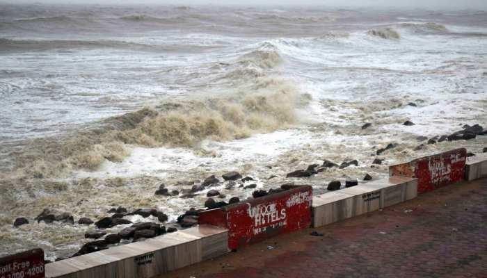 cyclone yaas latest news odisha breaking news, 1 crore affected and 3 lakh house damaged says bengal cm mamata banerjee
