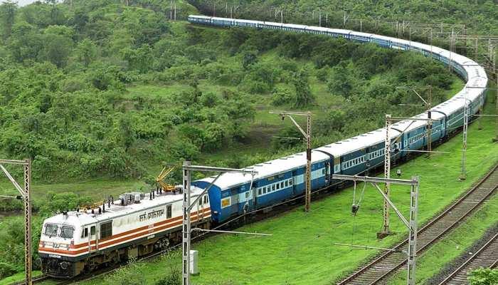 अब रोज नहीं चलेंगी संगम और हमसफर समेत ये 3 जोड़ी ट्रेनें, जानिए रेलवे ने क्यों लिया ये फैसला