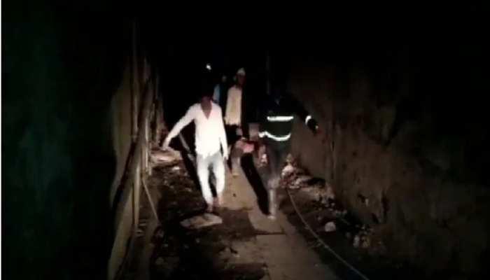 Thane में बिल्डिंग का हिस्सा गिरने से 7 की दर्दनाक मौत, राहत और बचाव का काम जारी