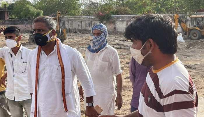 Jaipur : घुमंतु लोगों की झोपड़ियां तोड़ने के मामले ने पकड़ा तूल, सोनिया गांधी से लगाई गुहार