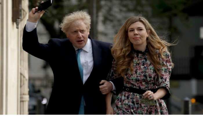 ब्रिटिश PM Boris Johnson ने गुपचुप अपनी मंगेतर Carrie Symonds से रचाई शादी, उम्र में 23 साल छोटी