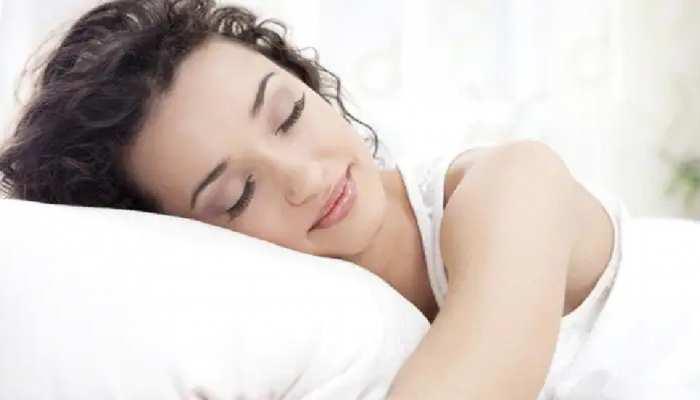 सोने का सही तरीका भी करा सकता है मालामाल, Vastu के इन Rules का करें पालन