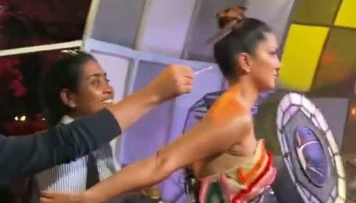 Sunny Leone शॉट के लिए हो रही थीं तैयार, अचानक हुआ कुछ ऐसा कि चौंक कर उछल गईं