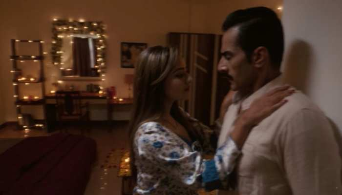 Anupamaa Spoiler Alert: शादी की पहली रात रोमांटिक होगी Kavya, धक्का देकर Vanraj पहुंचेगा Anupamaa के पास
