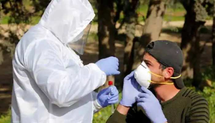 कोरोना का लोगों में नहीं रहा डर! संक्रमण कम होने के साथ ही लोग हो रहे लापरवाह