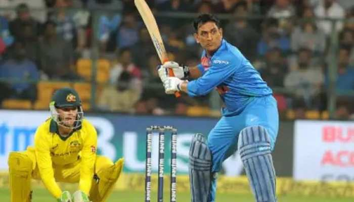 धोनी को जब नौसिखिया बल्लेबाज समझ बैठा था दिल्ली कैपिटल्स का ये गेंदबाज, फिर ऐसे टूटा भ्रम