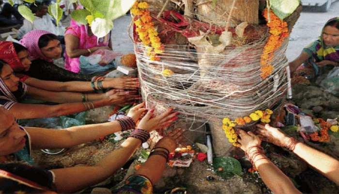 अखंड सौभाग्य का प्रतीक है वट सावित्री व्रत, जानें शुभ मुहूर्त और संपूर्ण पूजा सामग्री की लिस्ट